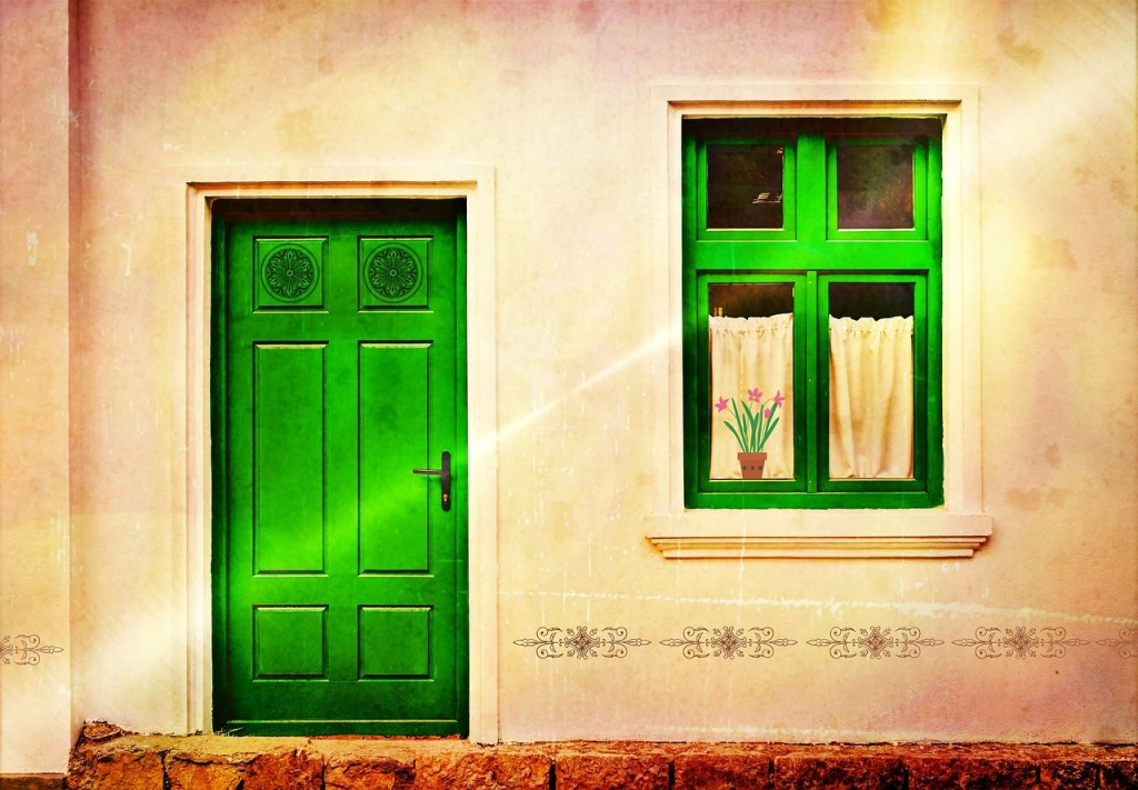 Mocne wejście. Jakie drzwi zewnętrzne wybrać?