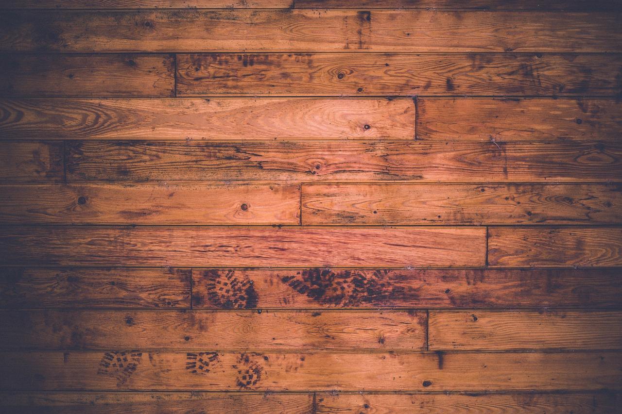 podłoga z litego drewna